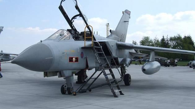Zachování letecké základny v Náměšti a navýšení počtu zaměstnanců – takové je konečné doporučení vládě.