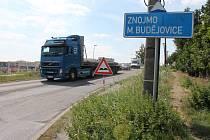Silnice na Střítež bude opět zavřená. Řidiči neprojedou už od pátku 1. března a po objížďkách pak budou muset jezdit až do poloviny května.
