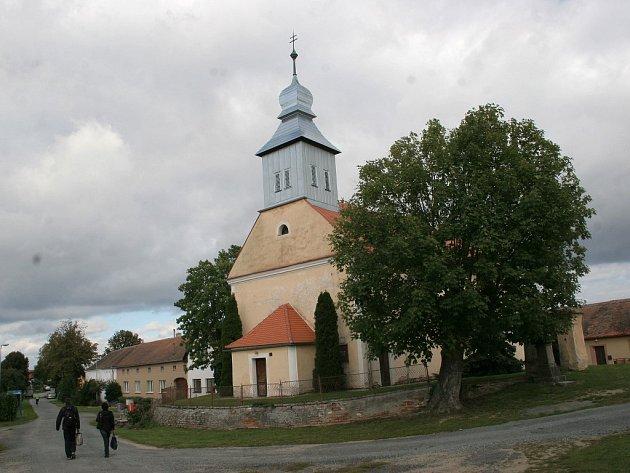 Svatostánek zasvěcený patronovi české země pochází ze 13. století.