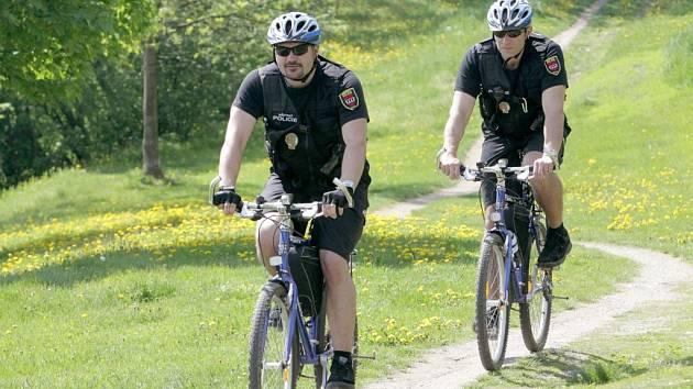 Třebíčští strážníci kola využívají.