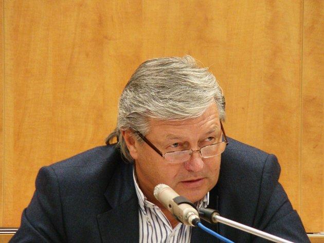 Jde potřeba potlačit svá ega, říká starosta o možné velké koalici