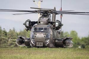 """Spotters day na 22. základna vrtulníkového letectva """"Biskajská"""" Sedlec u Náměště nad Oslavou."""