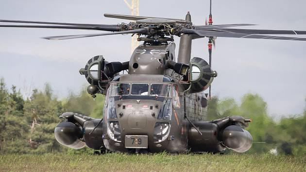 OBRAZEM: Vrtulníky v akci. Dark Blade 2019