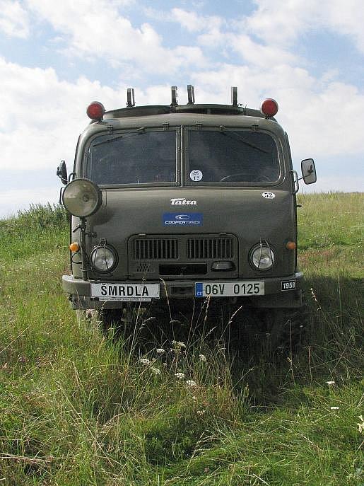 Terénní Tatry 805 si daly sraz na Třebíčsku