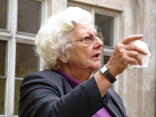 Maria Anna Therese Ludwigstorff Chorinská z Ledské, tak zní celé jméno této dámy z Vídně. Žena je vzdálenou příbuznou současného českého ministra zahraničí Karla Schwarzenberga. Vitální penzistka prožila idylické dětství v tehdejším Československu.