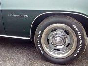 V Třebíči, pokud budete mít to štěstí, můžete potkat Chevrolet Camaro první generace, které také samozřejmě platí mezi Camary za nejvzácnější.