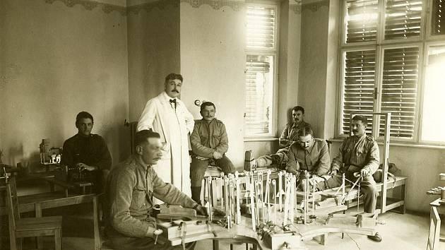 Rehabilitační zařízení, které bylo součástí tohoto lazaretu.