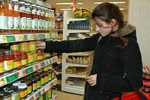 Poptávka po biopotravinách je větší než nabídka.
