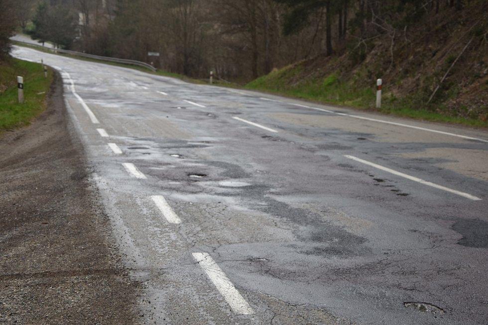 Rekonstrukce silnice II/152 začne v květnu a bude trvat přibližně dva roky. Odhadované náklady jsou okolo 90 milionů korun.