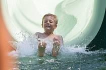 V Jemnici otevřeli koupaliště, které funguje na principu biotopu.