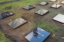 Náhrobky vojáků, kteří za první světové války zemřeli v třebíčském lazaretu.