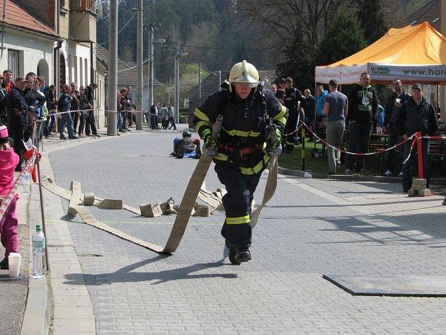 Ve Vladislavi se o víkendu konala akce s názvem Vladislavský železný hasič. Prvního ročníku soutěže v disciplínách TFA (Toughest Firefighter Alive = Nejtvrdší hasič přežije) se zúčastnilo sedm desítek závodníků a závodnic.