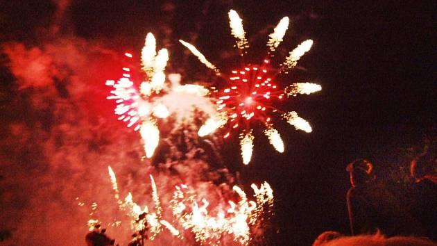 Mezinárodní hudební festival Petra Dvorského zakončil velkolepý ohňostroj