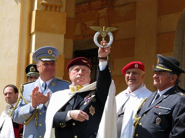 Generální převor Jiří Stanislav (uprostřed).