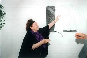 Slavnostní setkání rodáků obce Skryje a osady Lipňany konaného 30. srpna 1998 u příležitosti odhalení pamětních desek. Foto: Archiv obce Dukovany
