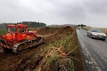 Od minulého týdne se silničáři chystají na rekonstrukci silnice Jihlava – Třebíč.