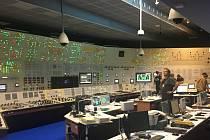 Do Přečerpávací vodní elektrárny Dalešice a do Jaderné elektrárny Dukovany štáb 70 českých a zahraniční filmařů.