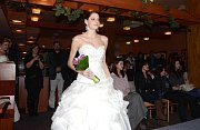 Veškeré propriety včetně toho nejdůležitějšího šatů pro pořádnou svatbu nabídl první svatební veletrh, který se v neděli konal v Třebíči.