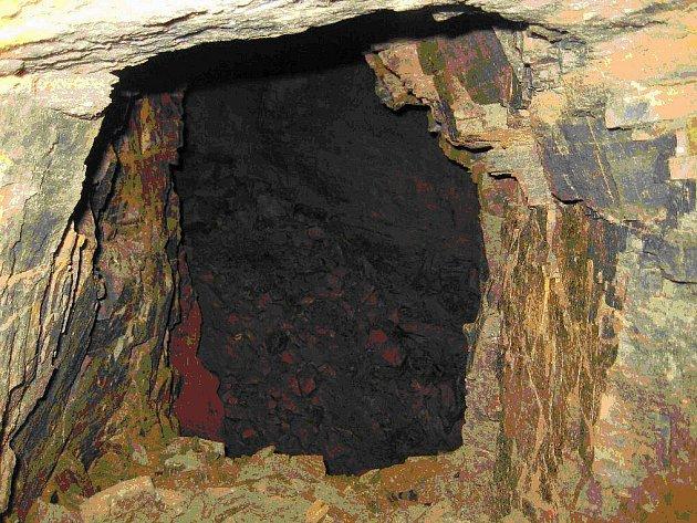 Senzační objev se podařil nedávno v Jemnici. Při pracích na rekonstrukci kanalizace v ulicích města byla objevena historická šachta. Ta by mohla být důkazem o dávné těžbě zlata či stříbra v této lokalitě.