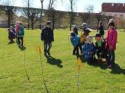 Jaroměřický zámek nabízí školám program v barokní zahradě. Poprvé jej vyzkoušeli žáci 1. a 4. třídy místní základní školy.