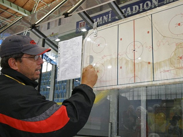 Staronový trenér. Novým trenérem A týmu se stal manažer Horácké Slávie Kamil Pokorný.