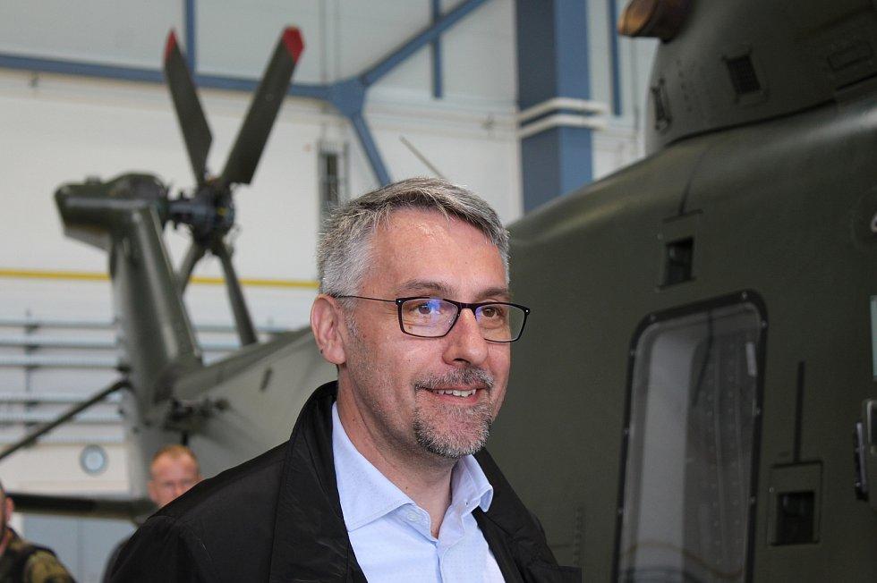 Cvičení Dark Blade 2019. Ministr obrany Lubomír Metnar.