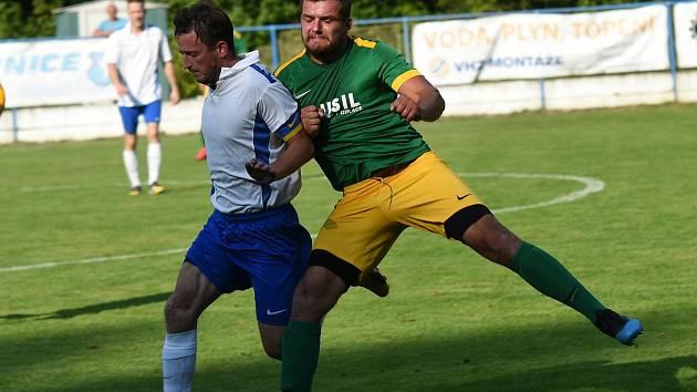 V novém ročníku fotbalových soutěží na Vysočině už nebudou Šebkovice (v zelených dresech) působit v krajském přeboru, ale v 1. A třídě.