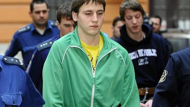 Michal Kisiov, odsouzený za brutální vraždu patnáctileté Petry z Jihlavska na pětadvacet let, si ve vězení změnil jméno.