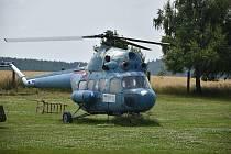 Vyhlídkové lety vrtulníkem, letadla nebo bombardéry. To a mnohem dalších aktivit nabídlo zážitkové odpoledne v leteckém muzeu v Koněšíně