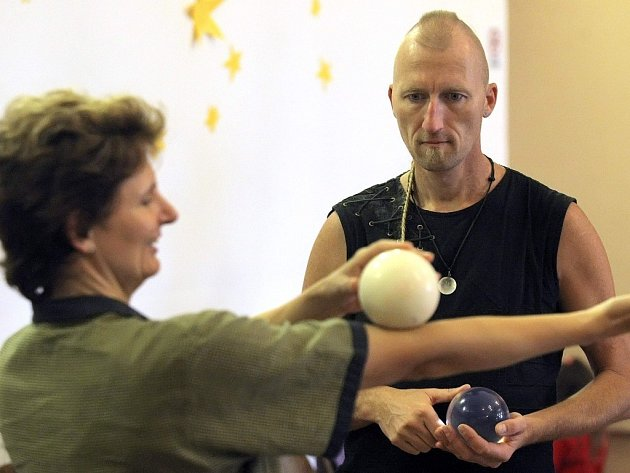 Letošní ročník je zaměřený zejména na kontaktní žonglování.