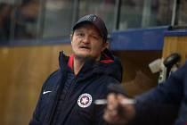 Asistent trenéra HS Třebíč Jaroslav Barvíř je rád, že se kádr rozrostl a doufá, že mladí hráči zvýší konkurenci a řeknou si o dres.