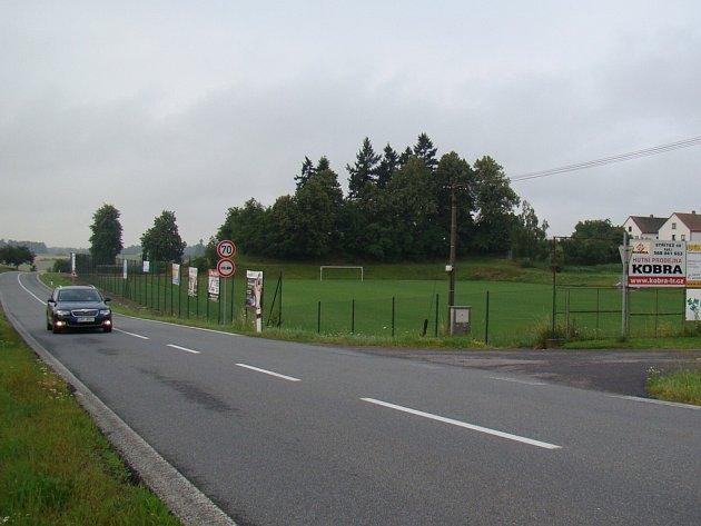 Výjezd u Základní školy bude uzavřen. Obyvatelé žijící v jeho blízkosti budou muset v obou směrech jinudy.