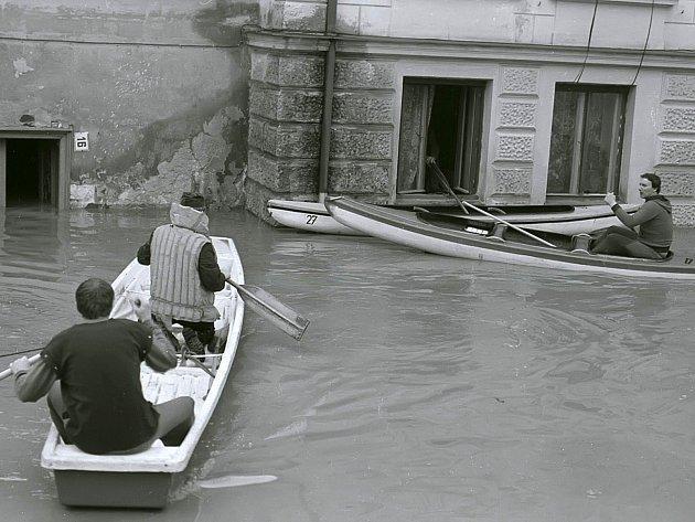 Ukážeme nepublikované další fotky z povodní v Třebíči