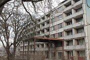 Budova staré chirurgie (CH) v třebíčské nemocnici. Bourání ji čeká v květnu.