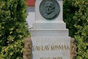 V rodném Martínkově mu spoluobčané postavili roku 1910 u kostela pomník s plaketou.
