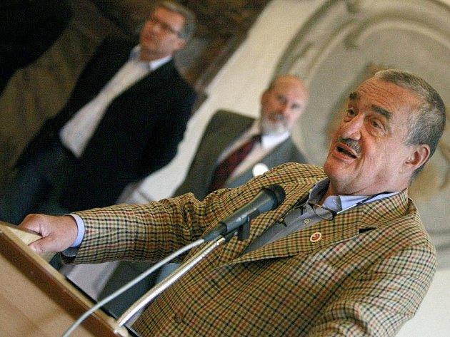 V pátek zavítal do Třebíče Karel Schwarzenberg.