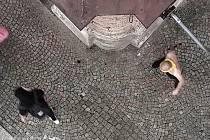 Polonahý muž se sekyrou pohybující se v centru Třebíče zaměstnával v pondělí 27. září odpoledne městskou policii.