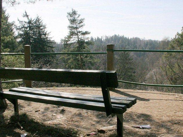 Vyhlídka se nachází na skále nedaleko Janova mlýna. V 19. století se tam těžil kámen na stavbu pilířů železničního mostu. Teprve později se skála stala místem rozhledu pro výletníky z Třebíče i okolí.