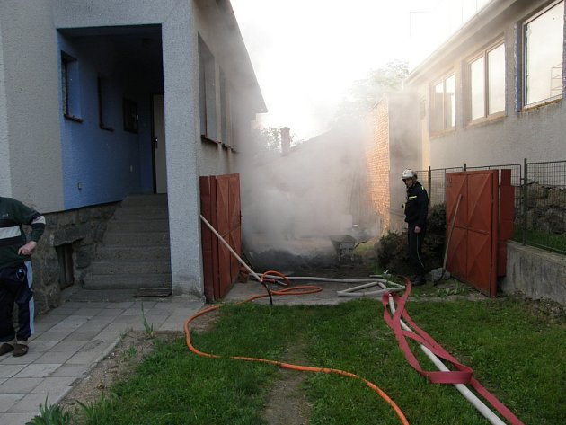 Požár briket v Trnavě