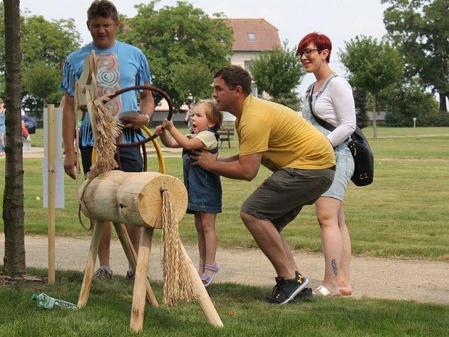 Ze zámeckých slavností ve Valči, které připomněly pět let od znovuotevření zámku po rozsáhlé rekonstrukci.
