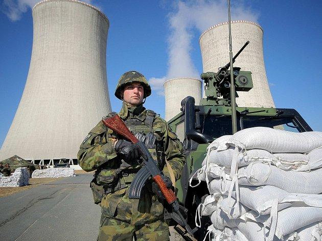 Jadernou elektrárnu budou bránit ozbrojené síly. Cvičně