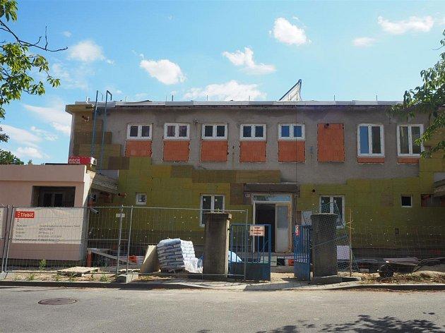 Barevný svět zastřeší chráněné bydlení v Třebíči