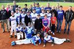 Starší žáci Třebíče nenašli v základní skupině baseballového MČR přemožitele a postoupili mezi čtyři nejlepší týmy republiky do bojů o medaile.