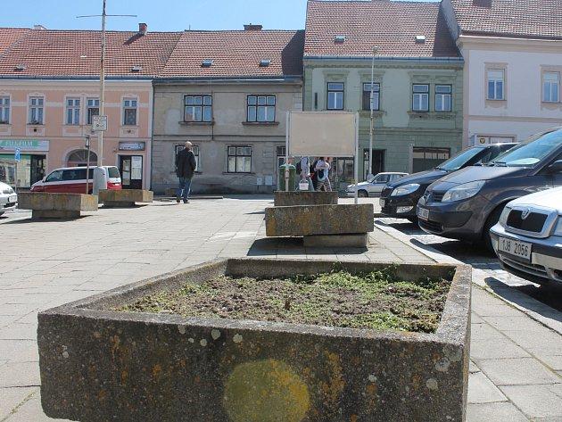 Náměstí Míru v Moravských Budějovicích.