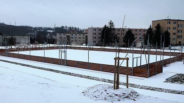 Nové víceúčelové sportoviště v Třebíči Borovině v Okružní ulici.