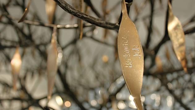 Strom života připomíná v Třebíči jména Kalinových dětí
