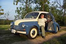 Ačkoliv se 4CV prodával i v ČSSR a na našich silnicích nebyl ve své době výjimečným autem, moc se jich do dnešních dnů nedochovalo. Vůz manželů Stanislava a Věry Dvořákových je jako nový. Sklízí obdiv a uznání na veteránských akcích.