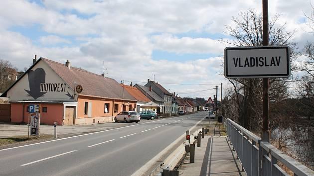 Vladislaví denně projede osm tisíc aut.