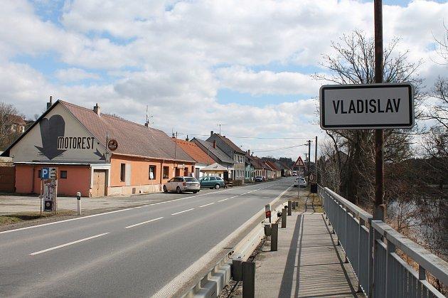 Na vítěze a poražené si ve Vladislavi nehrajeme, říká starosta