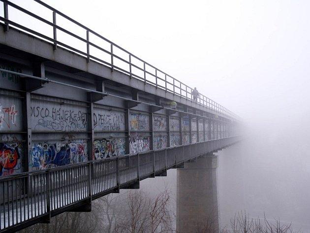 Železniční most v Borovině.